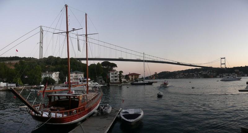 12-1280px-Fatih_Sultan_Mehmet_Bridge_panorama (Custom)