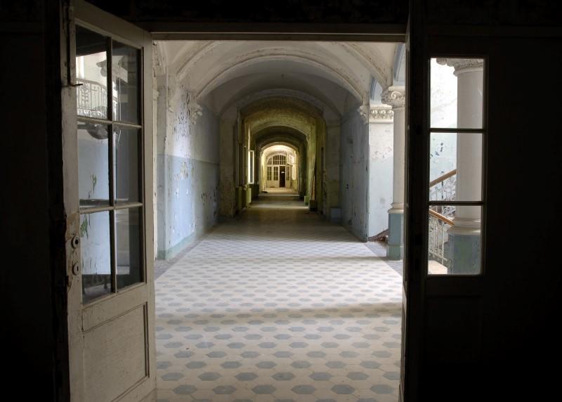 6Beelitz_Sanatorium_interior1 (Custom)