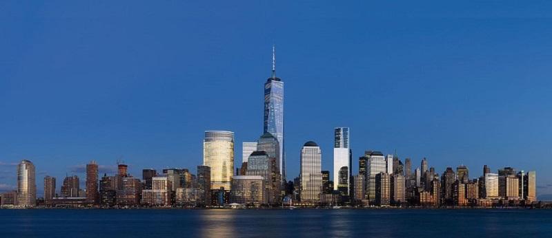 (Lower Manhattan, 2014 panorama 3, King of Hearts / Wikimedia Commons)