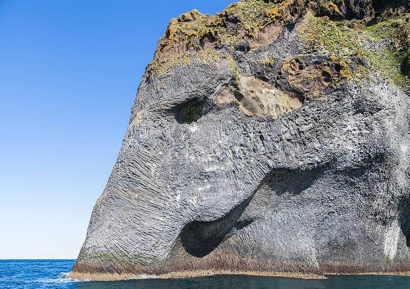 Elephant Rock, İzlanda (Diego Delso)