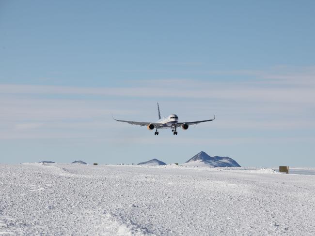Antartika ilk uçuş