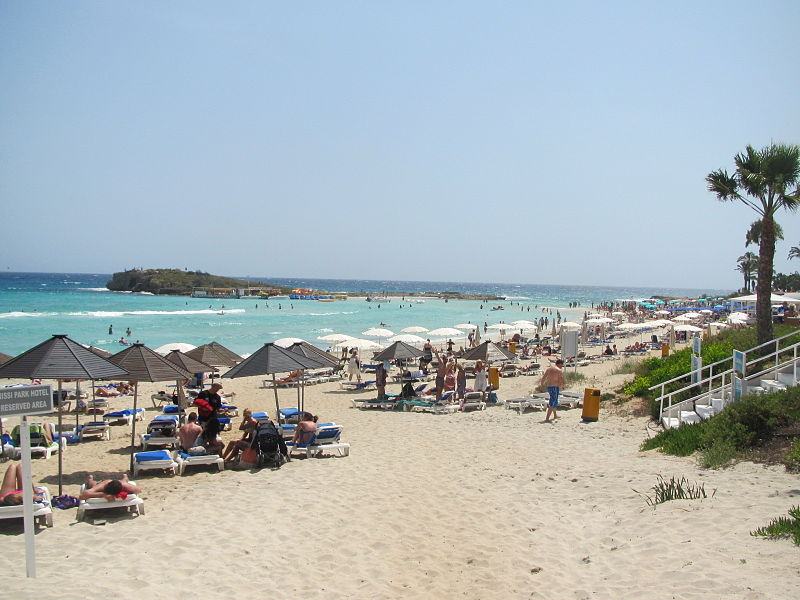 Ayia Napa beach (Romeparis, CC BY-SA 3.0, Commons)