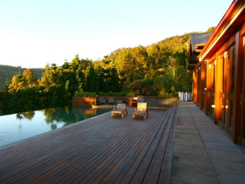 celebrity-owned-hotels-gwinganna-health-retreat (Custom)