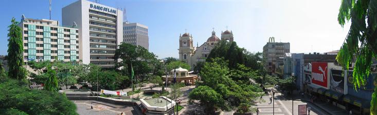 """Panoramica san pedro sula"", Gervaldez, GFDL via Commons"