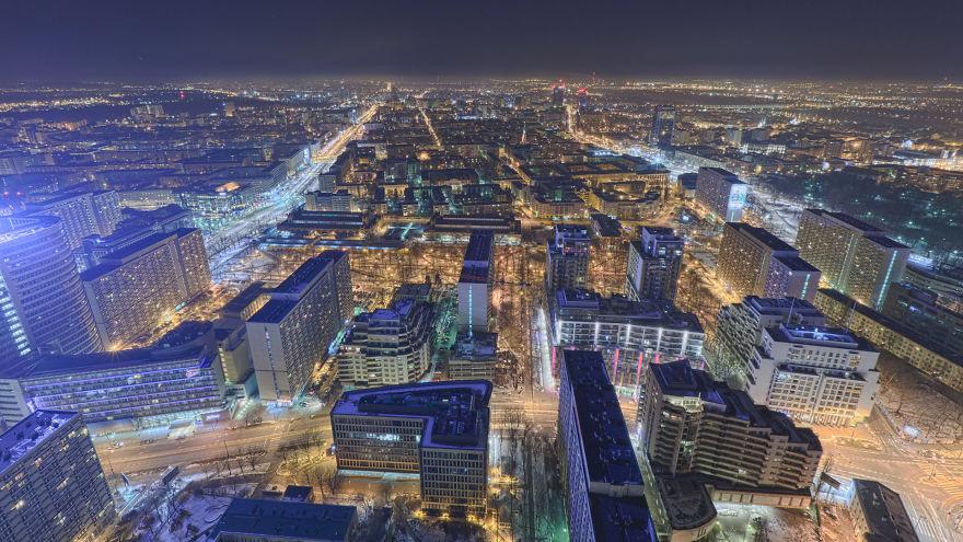 Varşova çatılarında