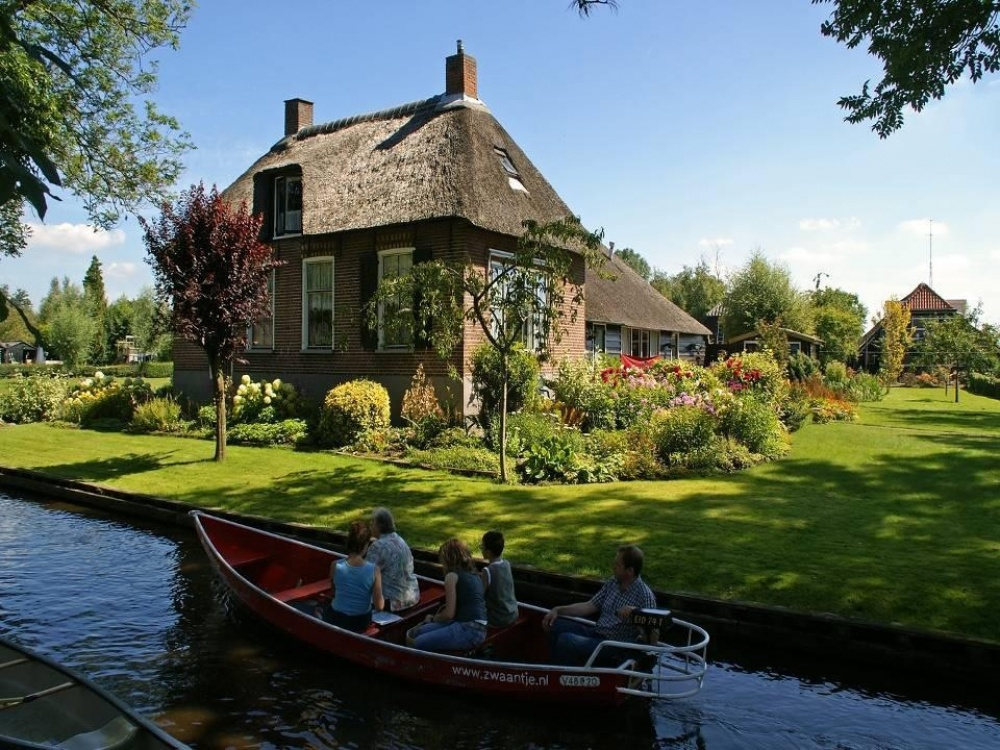 hollanda-giethoorn-kanal2