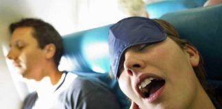 uçakta uyumak