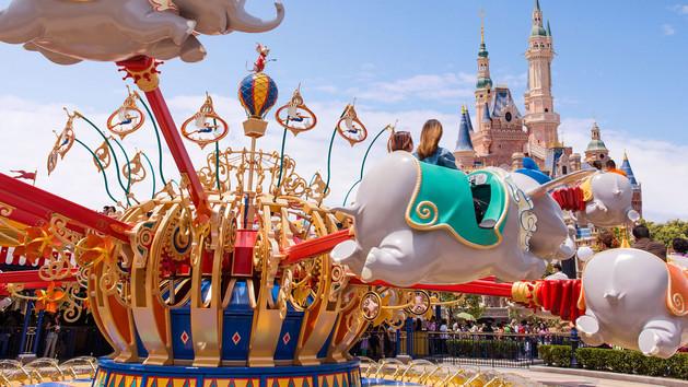 shdr-att-dumbo-flying-elephant-hero-new