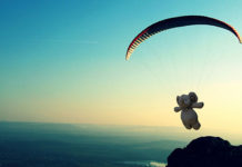 Oyuncak fil paraşüt