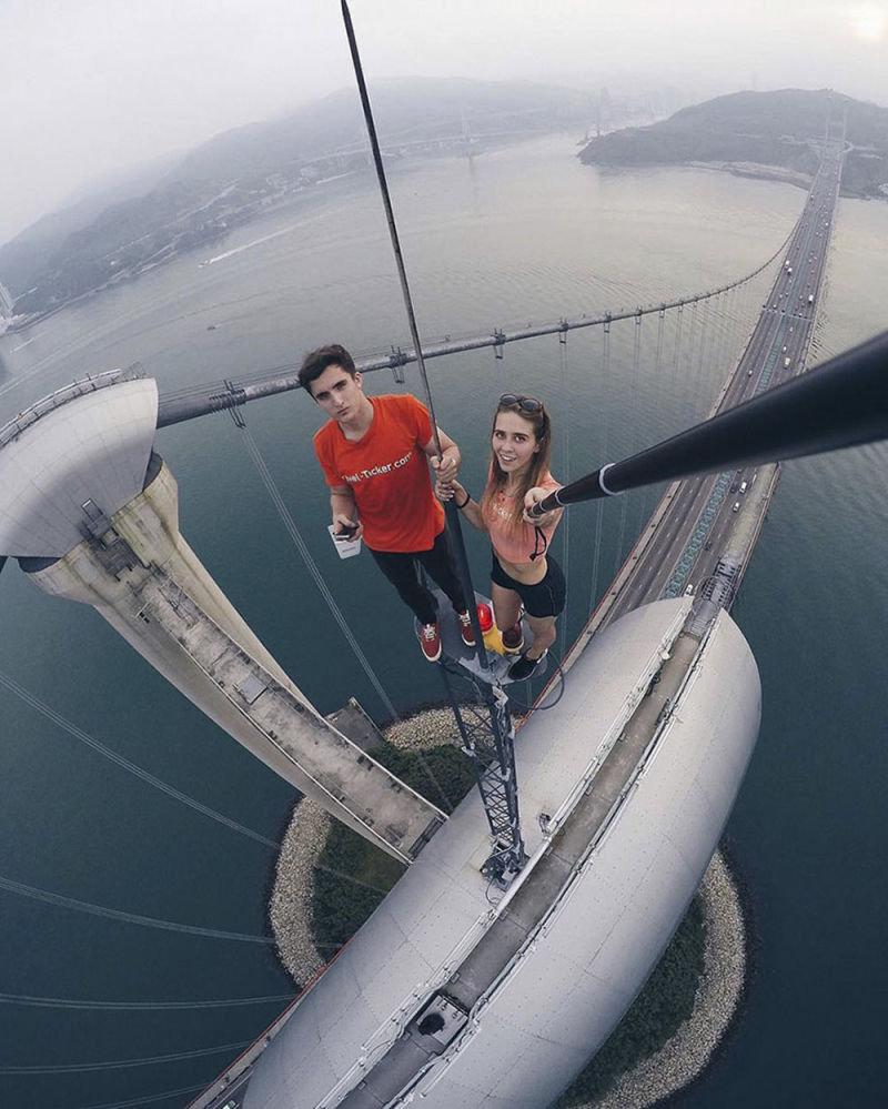 angela_nikolau_selfie6