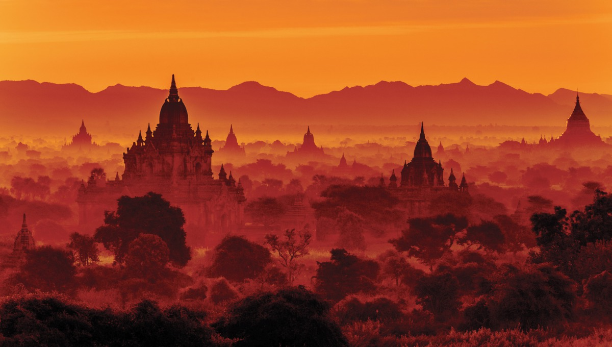 2821-sunset-over-bagan