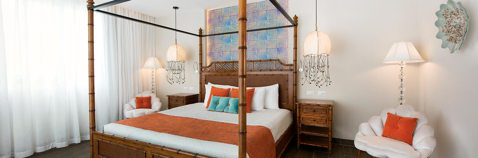 accomodations-page_pineapple_master_bedroom_nhpc_1600x530