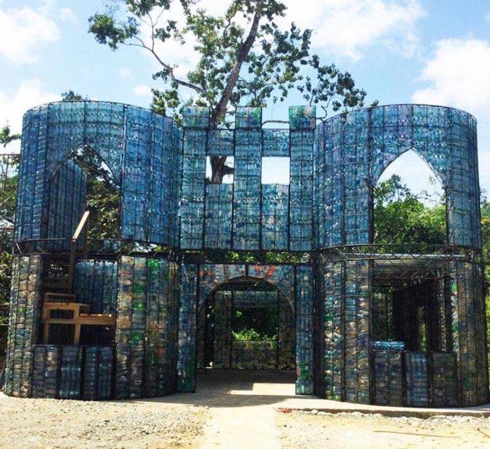 Panama pet şişe köyü