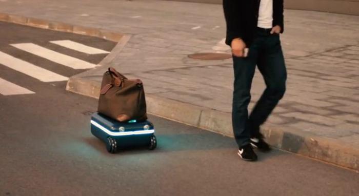travelmate-robot-valiz