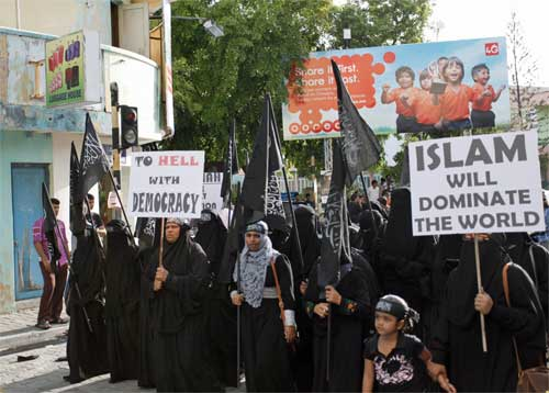 islam protesto şeriat maldivler