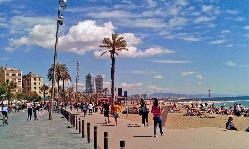 barselona barcelonetta şehir plajı