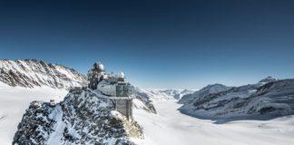 tren istasyonu isviçre alpler