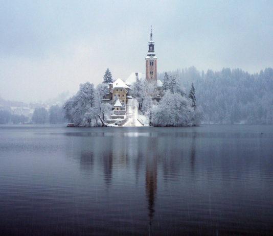 kış tatili Bled gölü