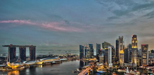 Dünyanın en pahalı şehirleri Singapur gece