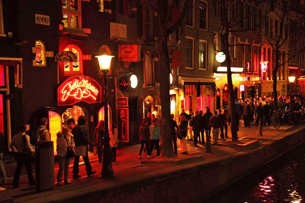 Kırmızı Fener Sokağı Red Light District Amsterdam