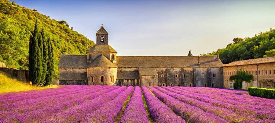 Başka bir Fransa tatili için lavanta kokulu Provence köyleri