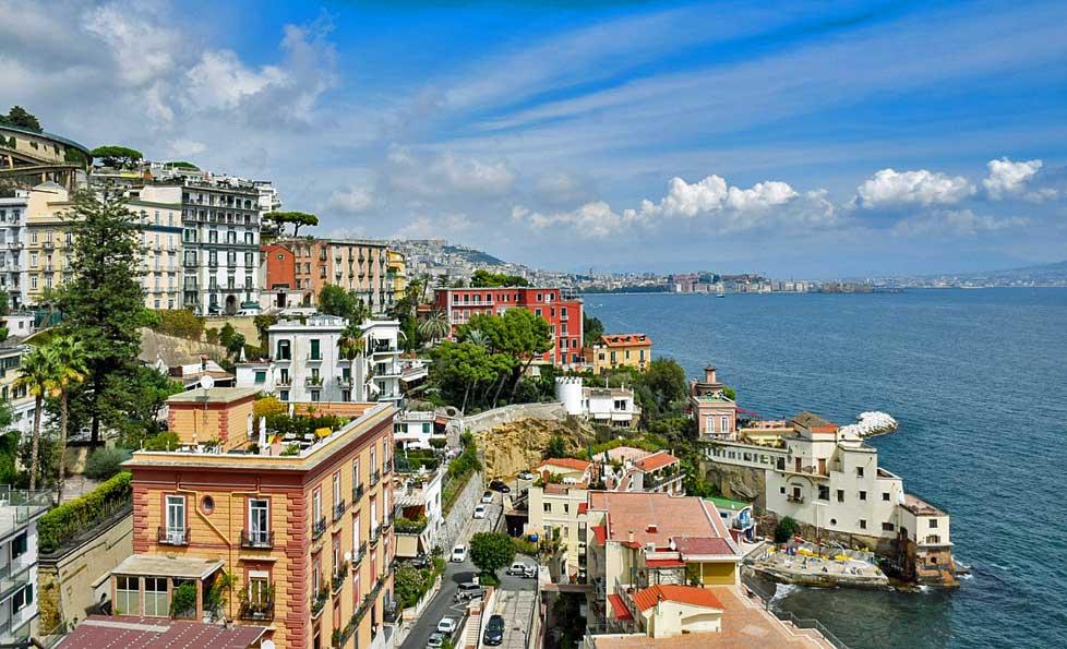 Napoli'de görülecek yerler Napoli Körfezi