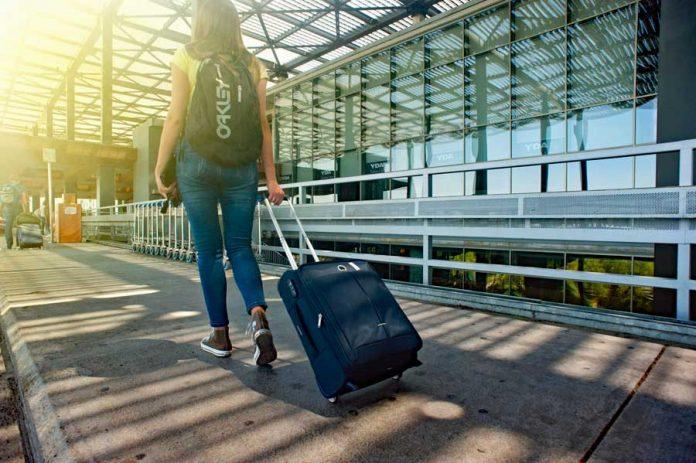 ucuza seyahat gezgin yolcu kadın