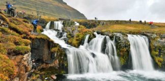 İzlanda'da turistler