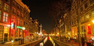 Amstrdam red light district genelevler