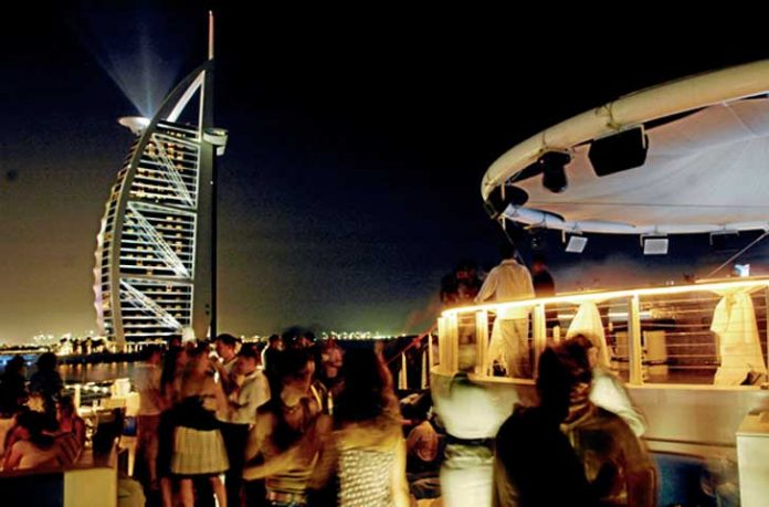 Dubai bar alkollü içki