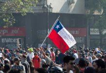 Şili'de devrim turu protestolar